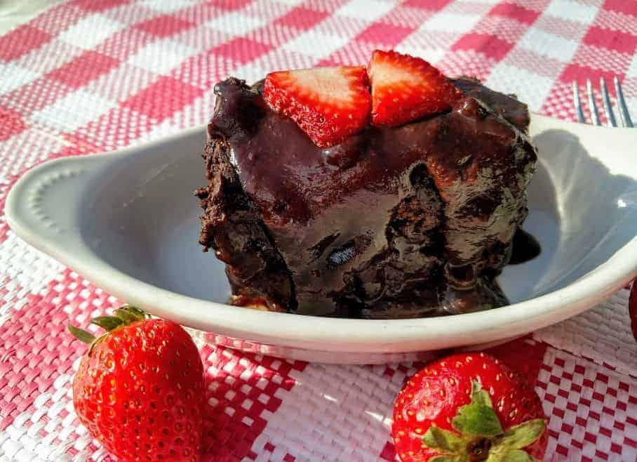 crockpot chocolate lava cake with strawberries