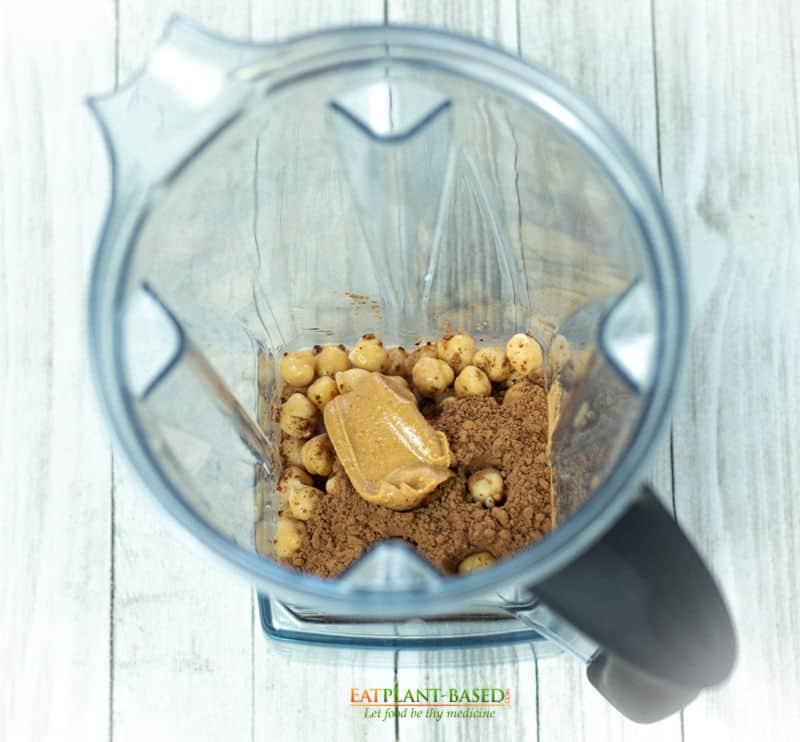 hummus ingredients in vitamix blender
