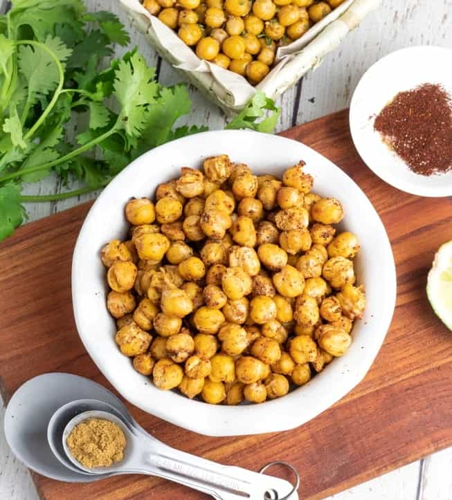 crispy roasted chickpeas with meassuring spoon and spices